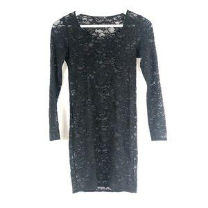 Aritzia   Talula lace bodycon dress 🖤